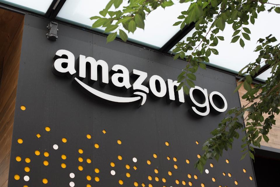 How Artificial Intelligence Is Helping Retailers Bridge The Gap Between Online And Offline Data
