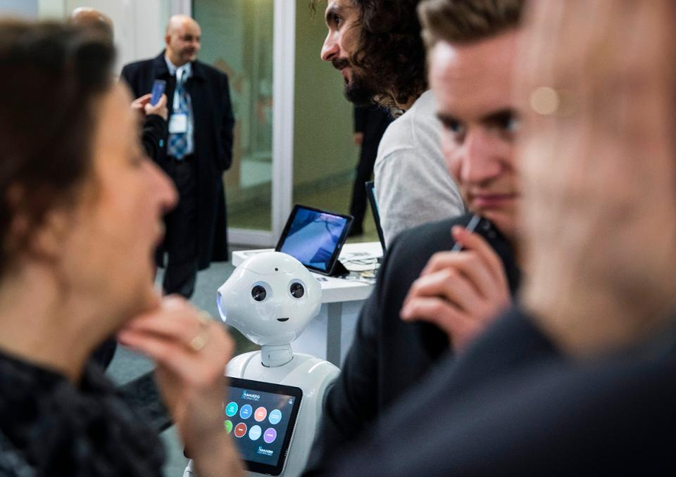 4 Questions Every Small Business Must Ask About Artificial Intelligence
