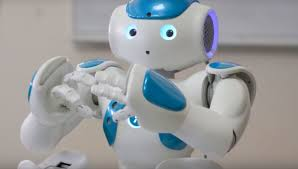 GAME-PLAYING ROBOT AIDS HUMAN INTERACTION BY ADMITTING MISTAKES