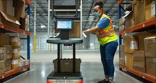 Robotics technology in the modern warehouse